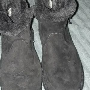 Grey suede like material boots.